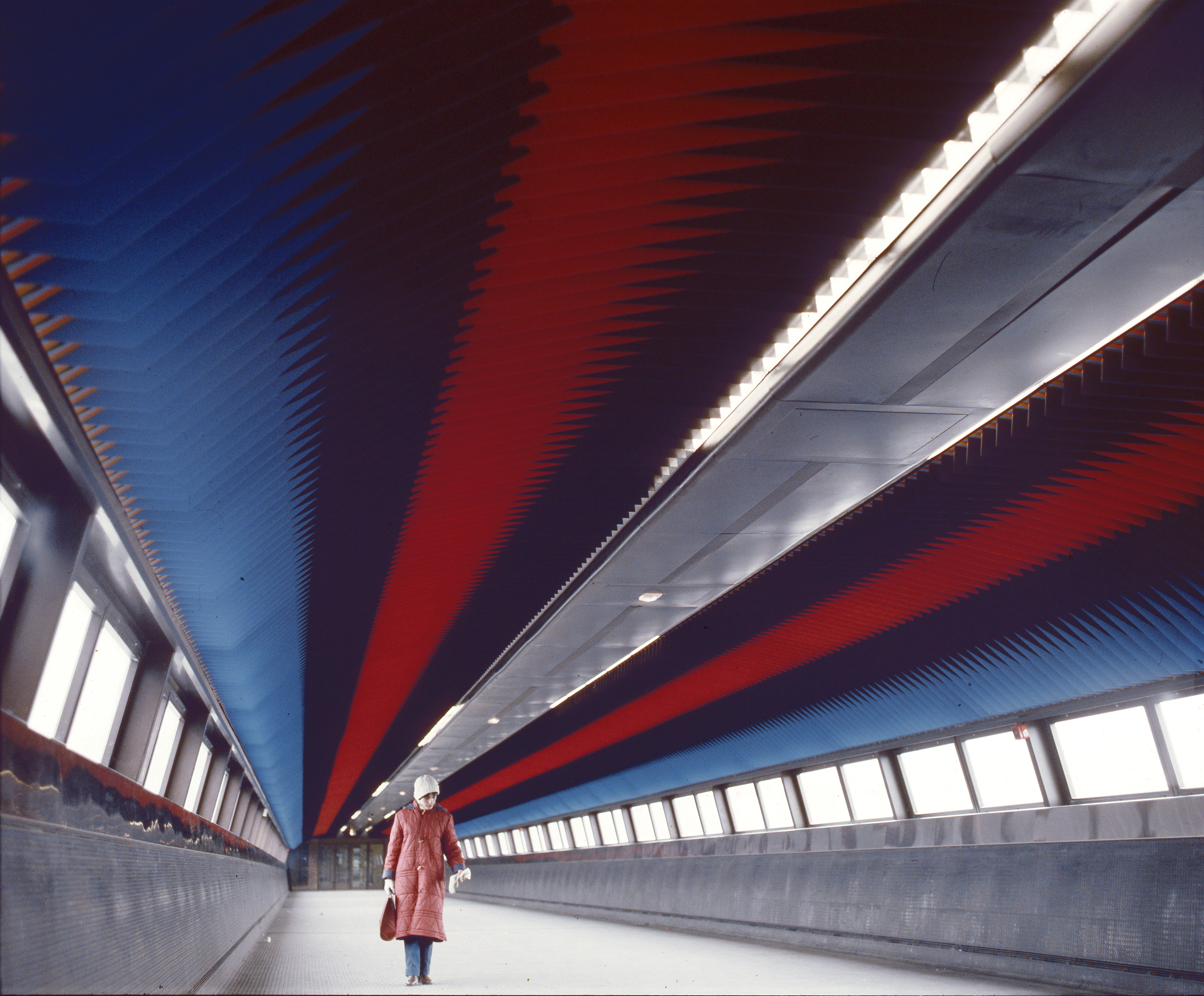 1980_Arch_Plafond_Passarelle_St Quentin_002